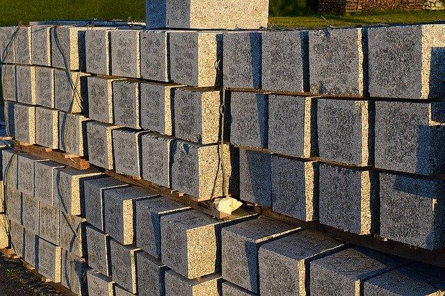 Materiały budowlane na działkę