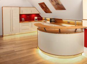 Jak dbać o czystość drewnianych blatów kuchennych
