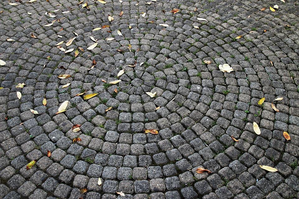 Kostka granitowa – dlaczego warto?